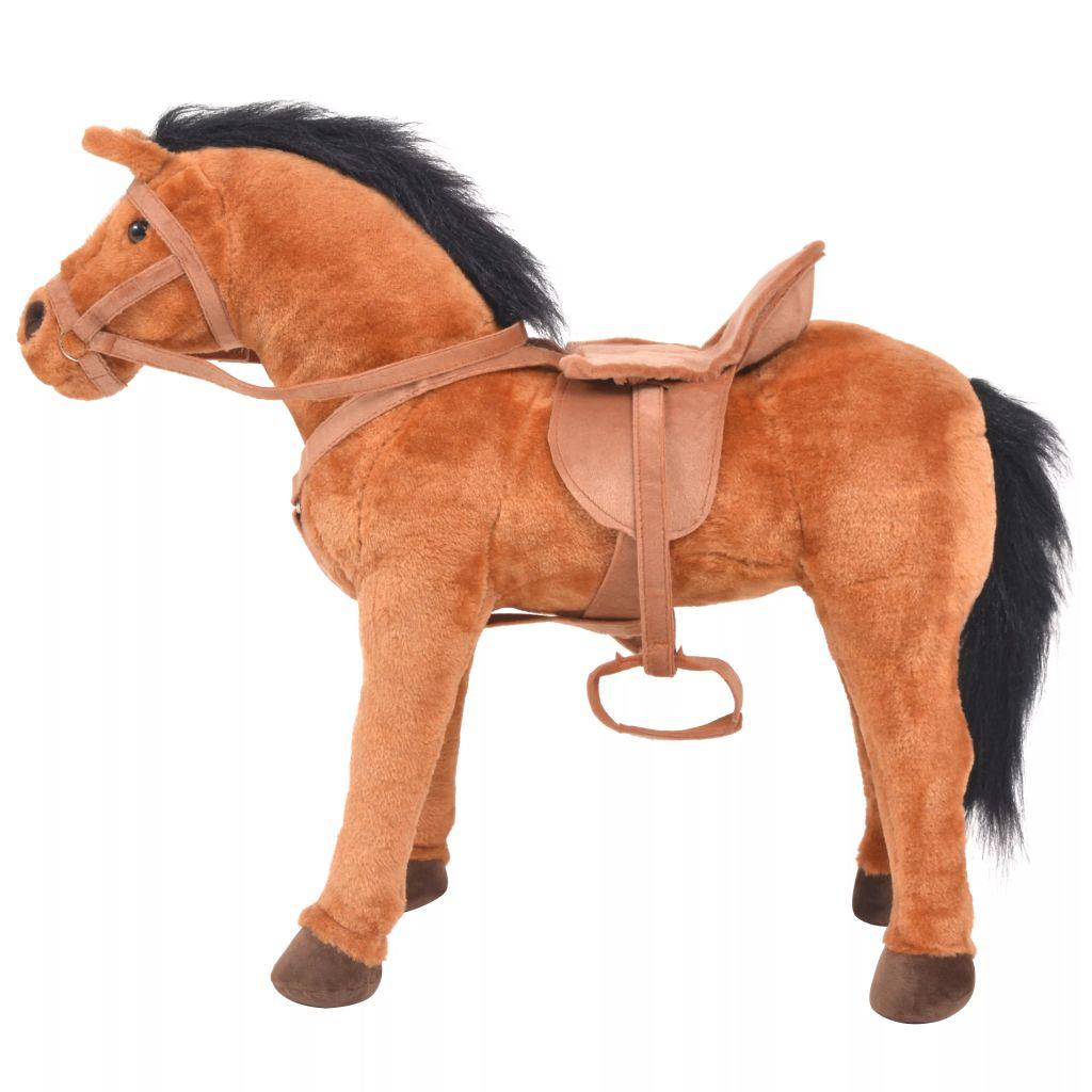 što ga čini vrlo mekanim i nježnim. Konjić ima nosivost od 100 kg i zvučnu funkciju koja jahanje čini još realističnijim i zabavnijim. Naš plišani konjić će biti divan prijatelj svakom djetetu! Molimo imajte na umu da su potrebne 2 AA baterije koje nisu uključene u isporuku.