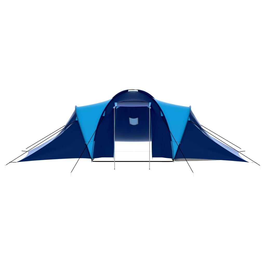 šator ima mrežu protiv komaraca za mjesto za spavanje.