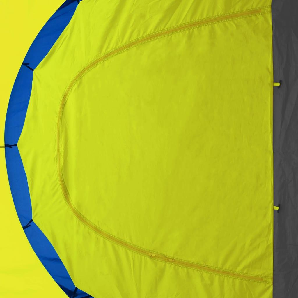 putovanja i za odmor. Ovaj šator je dovoljno velik za smještanje do 9 osoba. Ima 3 različite pretinca
