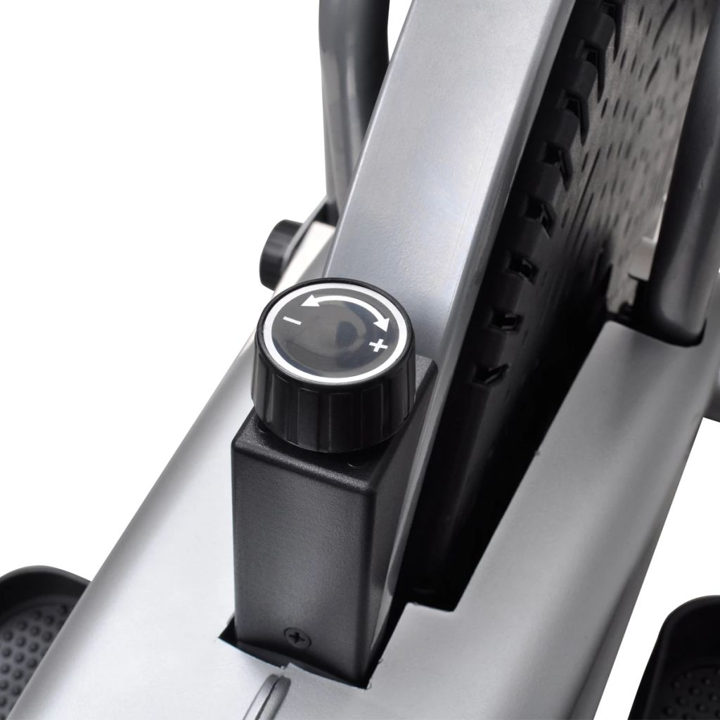 eliptični trenažer ima 2 kotača na donjoj prednjoj strani